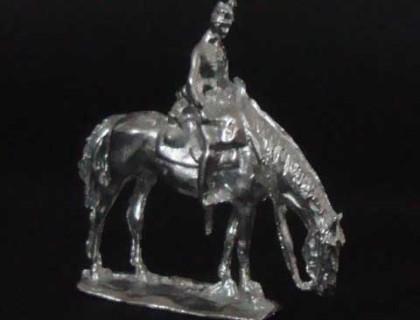 20 E3 Trooper grazing horse